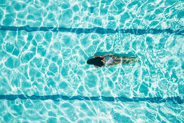 natacion-ayuda-enfermedades-cardiacas